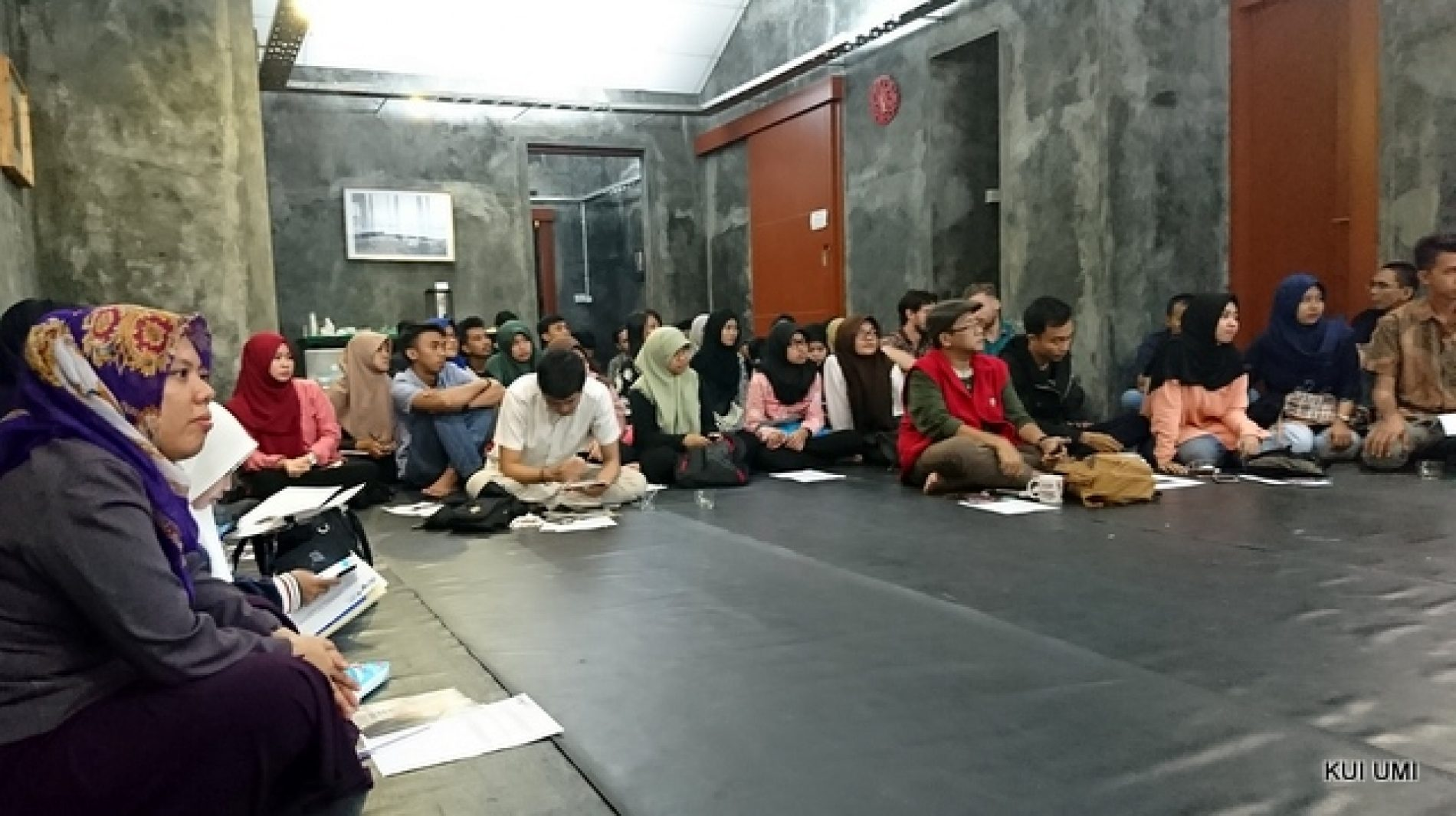 UMI Students Join AIYA Event