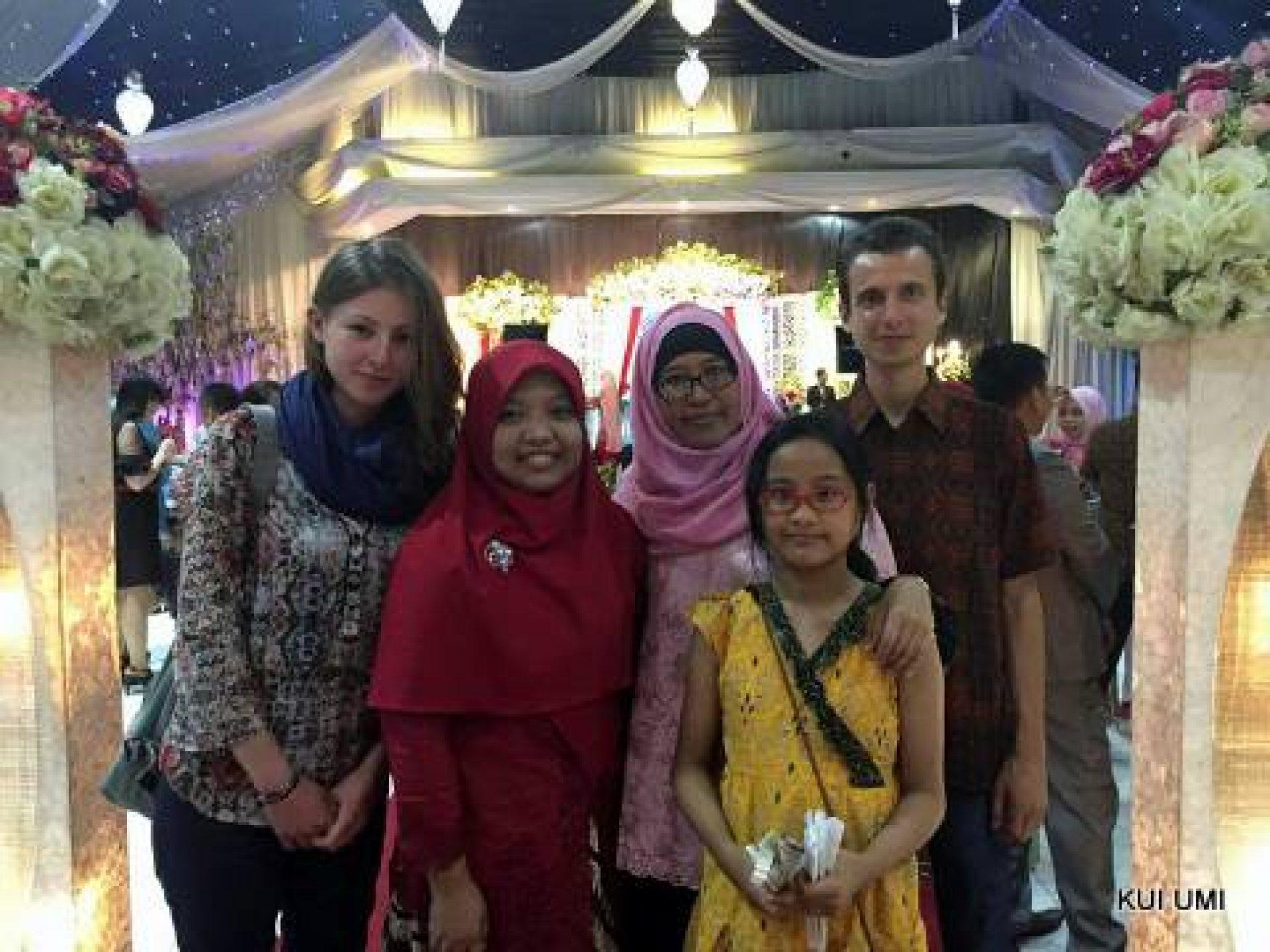 Matthieu & Pauline Joins Bugis-Makassar Wedding Event