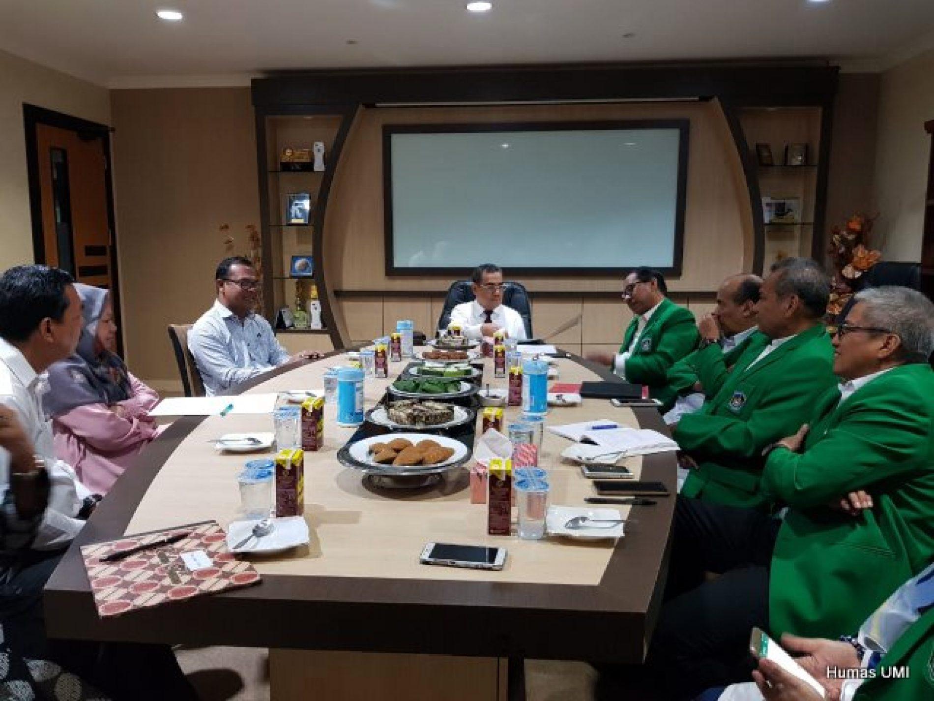 Strengthening Collaboration, the Secretary of Asisia of Islamic School Thailand Visits UMI